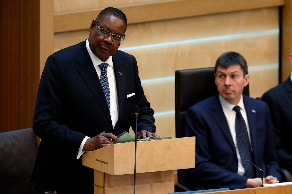 Peter-Mutharika-addressing-scotish-assembly